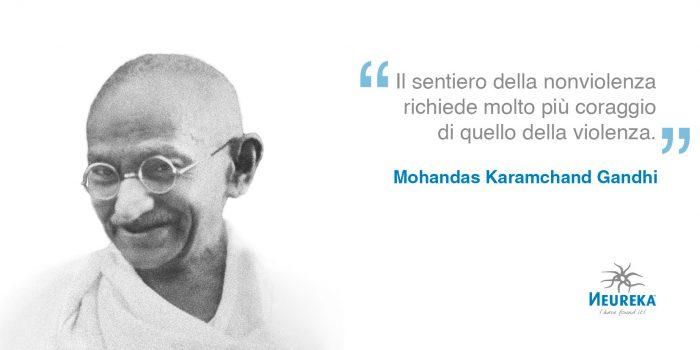 """""""Il sentiero della nonviolenza richiede molto più coraggio di quello della violenza."""" Mohandas Karamchand Gandhi - oggi è la Giornata internazionale della nonviolenza"""