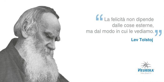 Ricordiamo uno degli scrittori di spicco del mondo divenuto famoso grazie ai suoi romanzi epici War and Peace e Anna Karenina: Lev Tolstoj