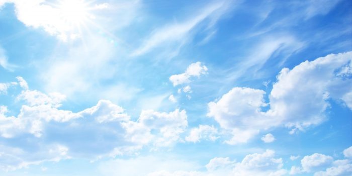 Quarto dei sei episodi che compongono Capriccio all'italiana, Che cosa sono le nuvole è uno dei capolavori della cinematografia italiana. In questo cortometraggio PierPaolo Pasolini abbandona l'approfondimento ideologico e sociale che caratterizza la sua produzione per affrontare in maniera precipua tematiche di tipo esistenziale.
